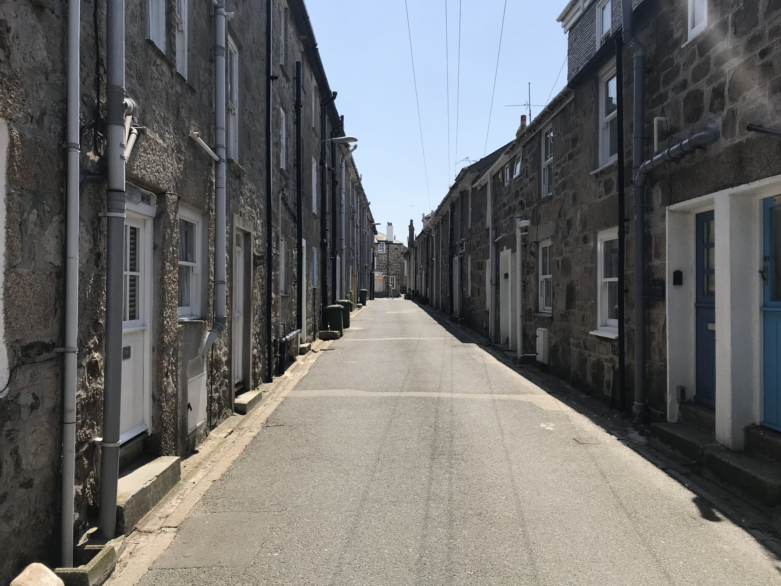Island Road in St Ives on a sunny day